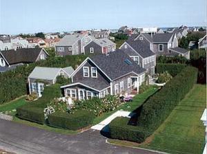 11 East Lincoln Avenue, Nantucket, MA