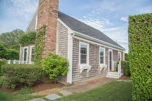 27 North Beach Street, Nantucket, MA