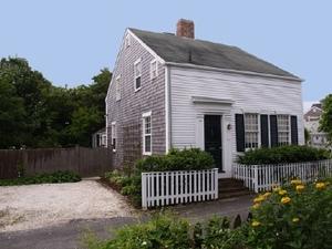 6 Weymouth Street, Nantucket, MA